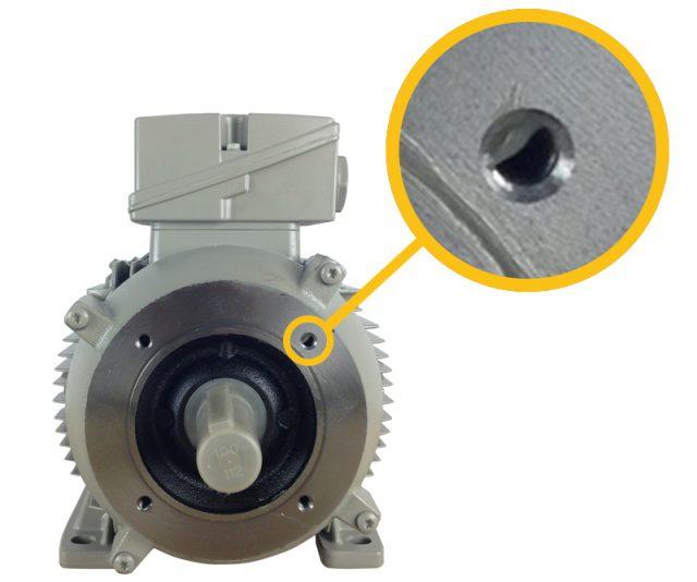 Vooraanzicht B34 motor. Combinatie van binnenflens met schroefdraad in boutgaten flens (B14) en voet (B3)
